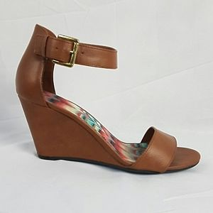 American Eagle Wedge Sandals Size 6